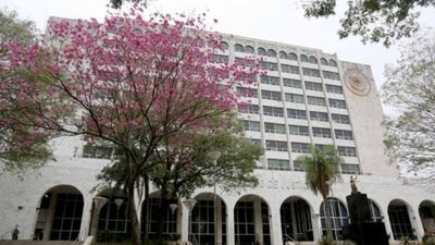 Tribunal revoca polémico fallo a favor de marinos sobre haberes jubilatorios del IPS