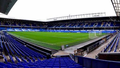 Everton suspende a jugador acusado de delitos sexuales contra menores