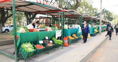 La Nación / Ferias simultáneas de verdeos y frutillas se realizan mañana en siete puestos en Central