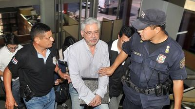 """Suspenden juicio oral para Froilán Peralta y """"comepapeles"""""""