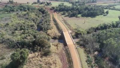 Gobierno inaugura 10 puentes de hormigón en Itapúa