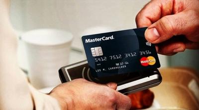 Mastercard fomenta los pagos sin contacto e invita a alentar a la albirroja