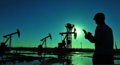 El dólar se debilita y sube el precio del petróleo