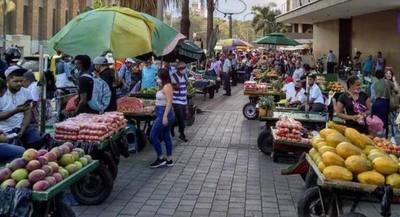 El trabajo informal amenaza con frenar el repunte de la economía, advierte el Banco Mundial