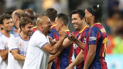 El Real Madrid vence al Barça en espectacular clásico de leyendas