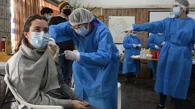 Uruguay alcanza el 70% de su población vacunada con al menos una dosis contra la Covid-19