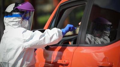 COVID-19: reportan 702 contagios y 54 fallecidos