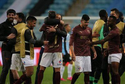 Liga, con Luis Amarilla, elimina al Gremio de Scolari