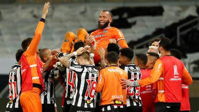 Atlético Mineiro supera a Boca y es cuartofinalista