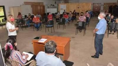 El CAH presentó líneas de crédito a egresados del SNPP en Ayolas