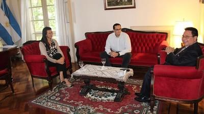 Empresa maquiladora paraguaya realizó contactos con firmas argentinas proveedoras de insumos