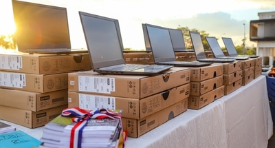 Celexx entregó a instituciones educativas más de 10.000 notebooks y laboratorios móviles de informática