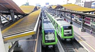 Empresarios coreanos proponen construir un tren eléctrico