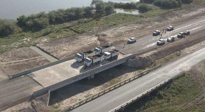 Realizan prueba de carga para evaluar los puentes de la ruta Transchaco