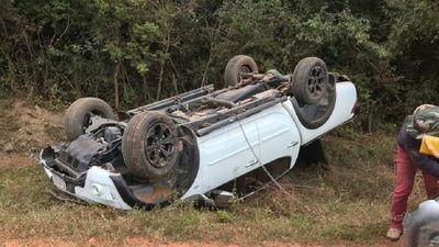 Intendente de Pilar sale ileso tras volcar con su camioneta