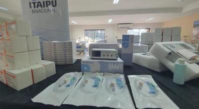 Itaipú entregó a Salud lotes de medicamentos, equipos e insumos por casi USD 6 millones