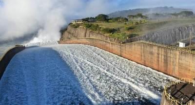Vertimiento de ITAIPU permitió sacar 170 barcazas y exportar casi 240.000 toneladas de productos