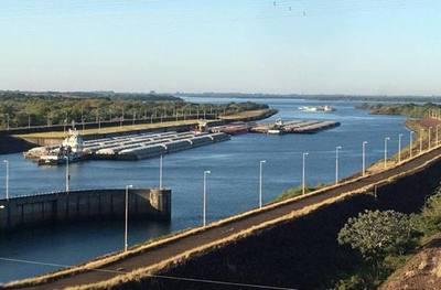 Aguas liberadas por ITAIPU permiten movilizar la exportación de 200.000 toneladas de soja