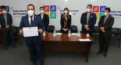 SINAFOCAL y MITIC realizaron la entrega simbólica de certificados a comunicadores del Estado