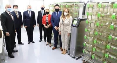 Unión Europea dona moderno laboratorio a Senacsa