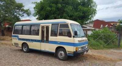 Gobierno habilitó a transportes escolares para paliar las reguladas de buses