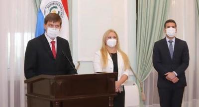 Ejecutivo nombra a Juan Manuel Brunetti ante el MEC y a Celina Lezcano al frente del Ministerio de la Mujer