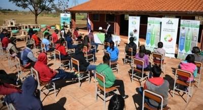 ITAIPU realizó talleres de reciclado, dirigidos a estudiantes y jóvenes indígenas