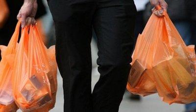 Rige desde hoy la disminución en el uso de bolsas de polietileno
