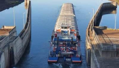 Tras maniobras en la esclusa de Yacyretá, barcazas podrán continuar viaje mañana