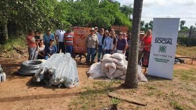 Pequeños productores de Cordillera reciben apoyo del Gobierno a través de la EBY