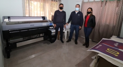 Microempresa  que confecciona ropas deportivas recibe impresora industrial por parte del MIC