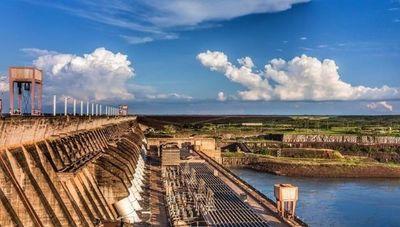 Informe sobre Itaipú: paraguayos pagan alrededor de US$ 1.000 millones por deuda cuando compromiso habría sido saldado en 2016, según Contraloría