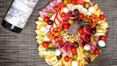 Entre Tablas Gourmet: perfecto para aquellos que buscan compartir algo exquisito y gourmet