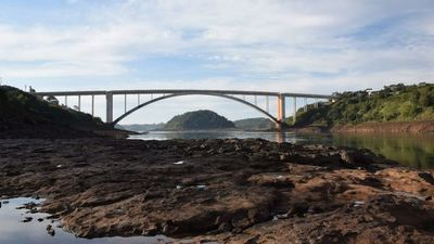 Rocas afloran en  río Paraná y son  peligrosas  para las embarcaciones