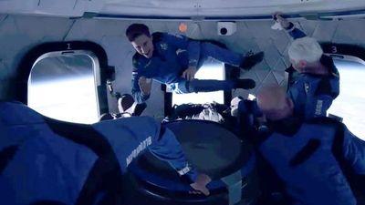 Jeff Bezos, el hombre más rico del mundo,   llega al espacio