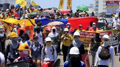 Jornada patriótica atípica con protestas en Colombia