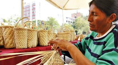 MIPYMES capacitó a 20 artesanas de la parcialidad Chamacoco para la formalización de sus actividades