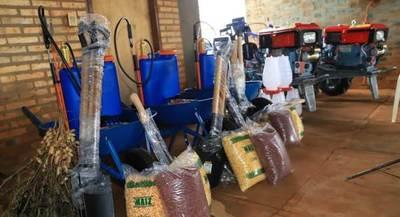 BM entregó implementos agrícolas a productores de Minga Guazú