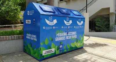 Ecopunto instaló un contenedor para reciclajes en la acera del SNPP