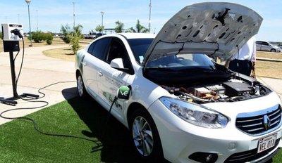 Plantean alianza para promover el desarrollo de vehículos eléctricos en el país