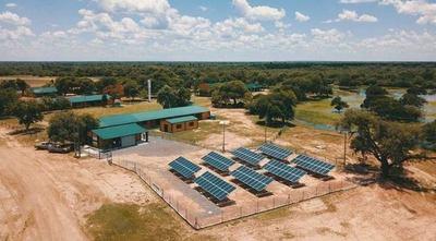 ITAIPU promueve proyectos de energías renovables que evitan emitir toneladas de CO2