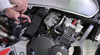 Ajustan arancel a la importación de baterías de motocicletas