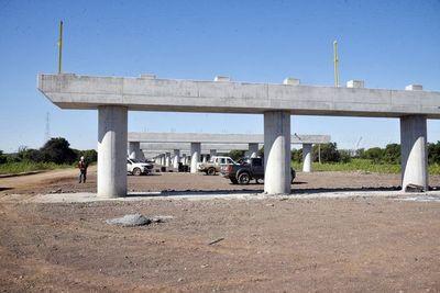 Tras  sobrecostos, iniciarán obras del puente a Chaco'i en el canal del río