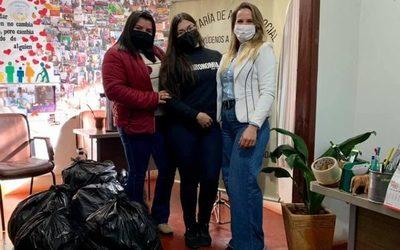 Estudiantes de FIA-UNE realizan donación a la Secretaría de Acción Social de Naranjal