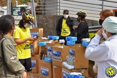 Ciclistas donan insumos al Hospital de Villarrica •