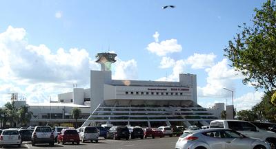 Desde hoy rige cuarentena para pasajeros que ingresan al país vía aérea