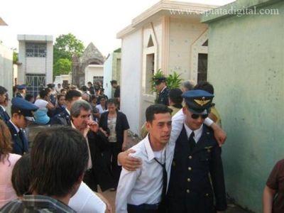 Emotiva despedida a paracaidista en Capiatá