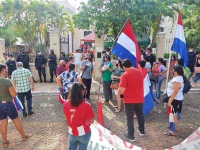 Pobladores de Pindolo claman por cierre de firma por contaminación ambiental