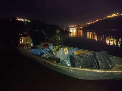 Decomisan embarcación con mercaderías de contrabando en el río Paraná