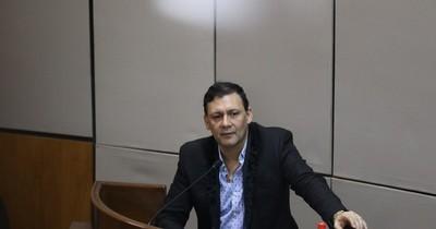 """La Nación / Sesión """"lavandina"""" del Senado demostró que solo querían despojarlo de su banca, dice Víctor Bogado"""